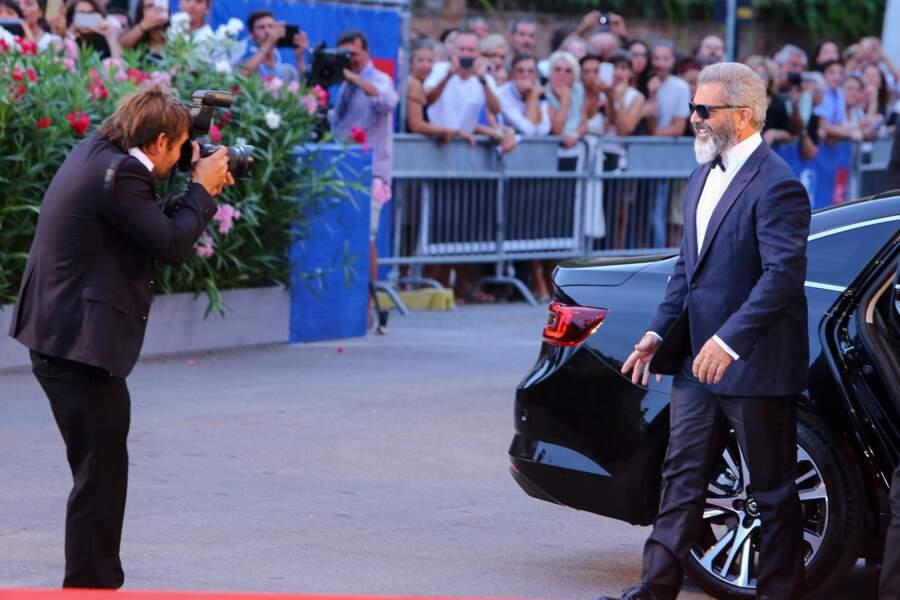 Arrivée remarquée de Mel Gibson sur tapis rouge
