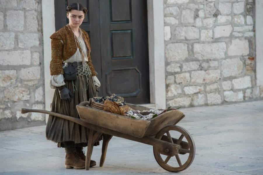 L'une des plus jeunes de la fratrie Stark : Maisie Williams, alias Arya Stark...
