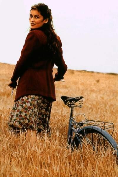 """En 2000 sa prestation d'actrice est remarquée dans la série """"La bicyclette bleue"""""""