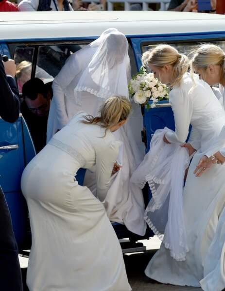 Ellie Goulding a eu un peu de mal à s'extraire de son carrosse