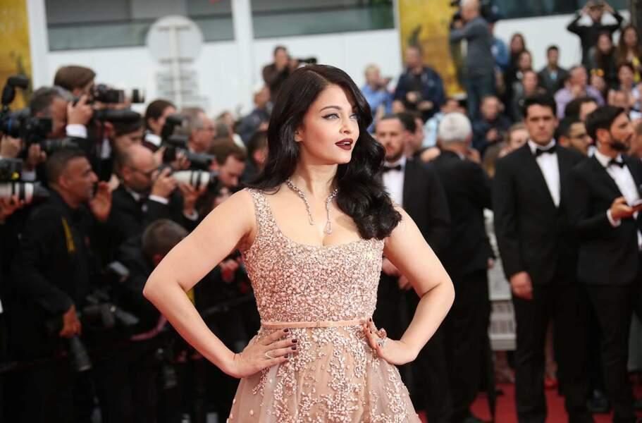 L'actrice Aishwarya Rai Bachchan prend la pose