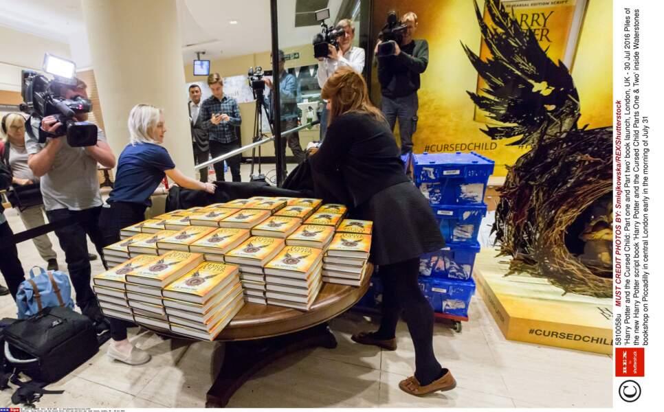 Les librairies londoniennes ont préparé leurs stocks en prévision de la cohue