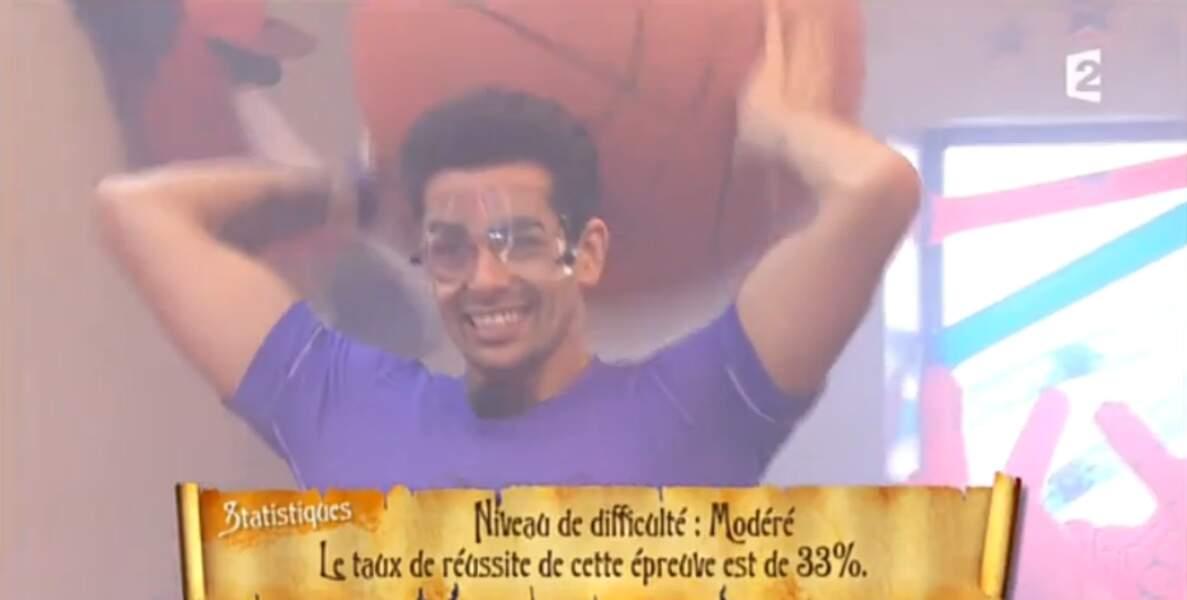 Gros moment de solitude pour Christophe Licata dans l'épreuve du Basket Boyard