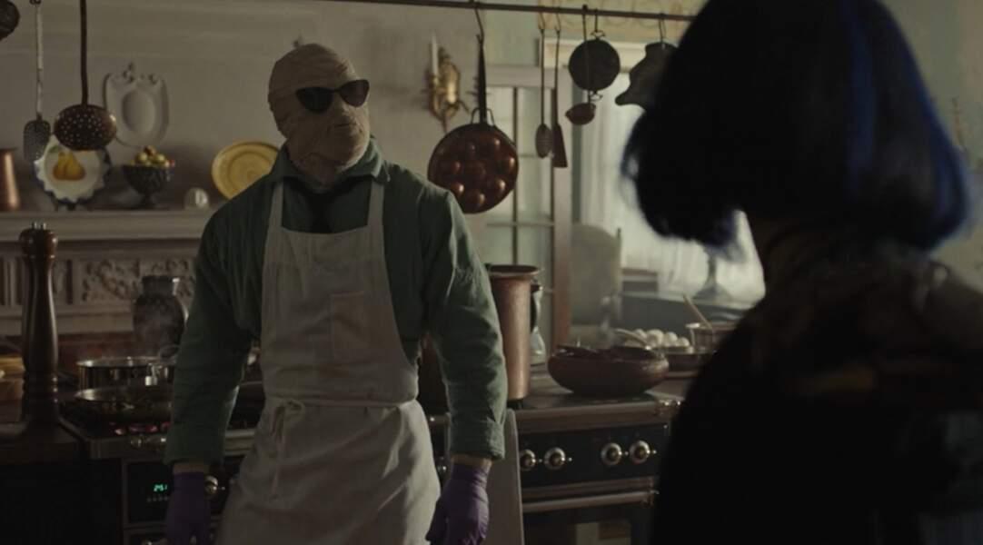 Présenté dans l'épisode 4 de Titans, Larry Trainor, alias Negative Man, est aussi un membre de la Doom Patrol