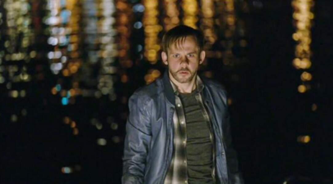 Il a joué aussi dans la série 100 Code aux côtés de Michael Nyqvist