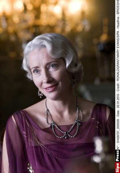 Un rôle de Lady très digne, dans Retour à Brideshead (2008)