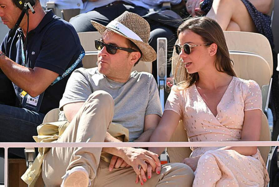 Le journaliste Nathanael de Rincquesen et sa compagne Caroline Malet, deux habitués du tournoi