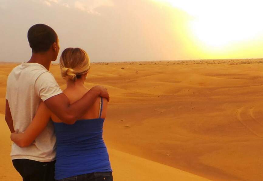 Au désert de Dubaï. So romantic !