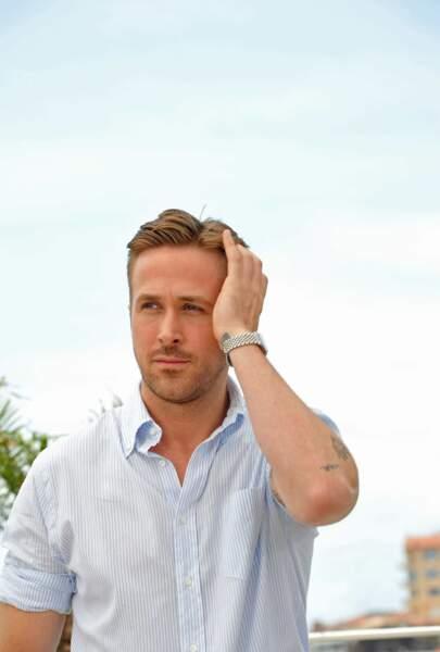 Même en chemisette, Ryan Gosling réussit à être sexy. Ici à Cannes en 2014 pour Lost River