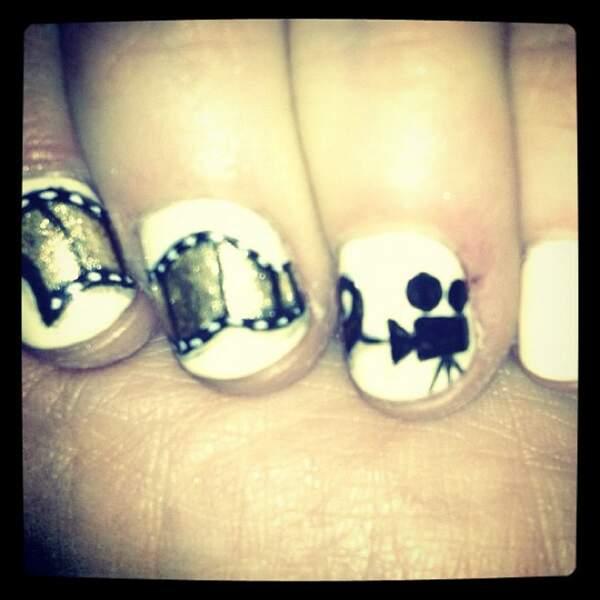 Le nail art de Zooey Deschanel pour les Golden Globes.
