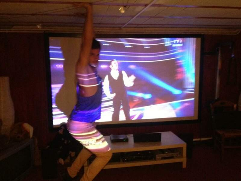 Et là, on découvre que Zarko passe ses samedi soir devant Danse avec les Stars...