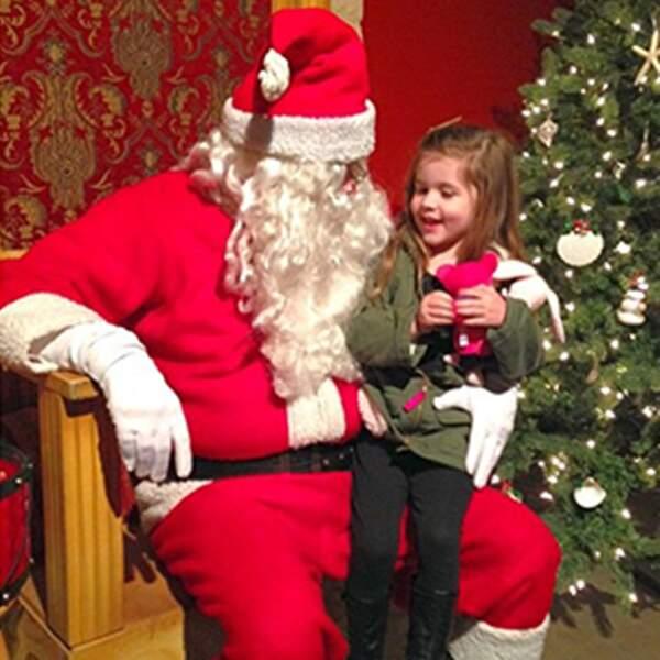 Et Harper connaît aussi très bien le Père Noël.