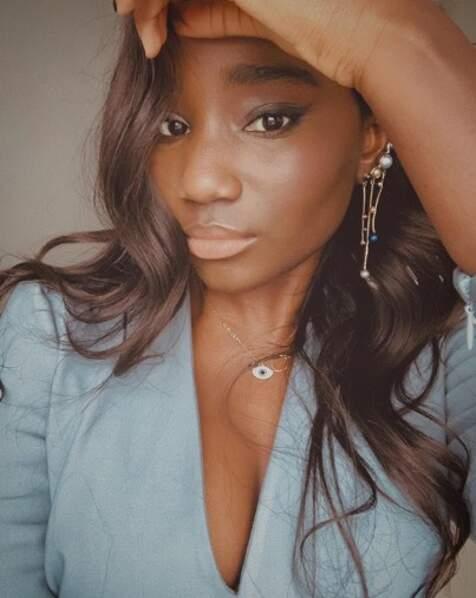 On se quitte sur ce selfie de la sublime actrice Karidja Touré.