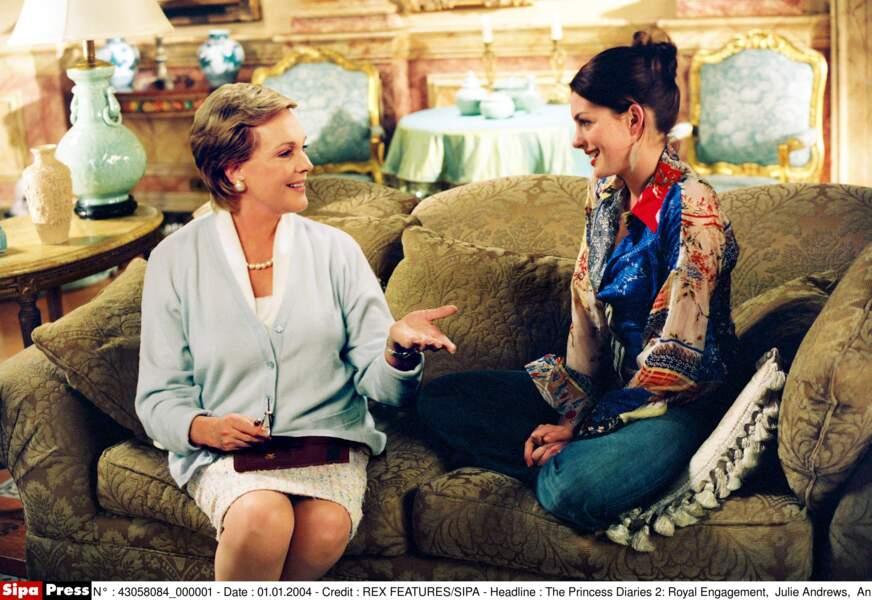Julie Andrews, grand-maman Clarisse, conseille Anne Hathaway dans Un mariage de princesse (2004)
