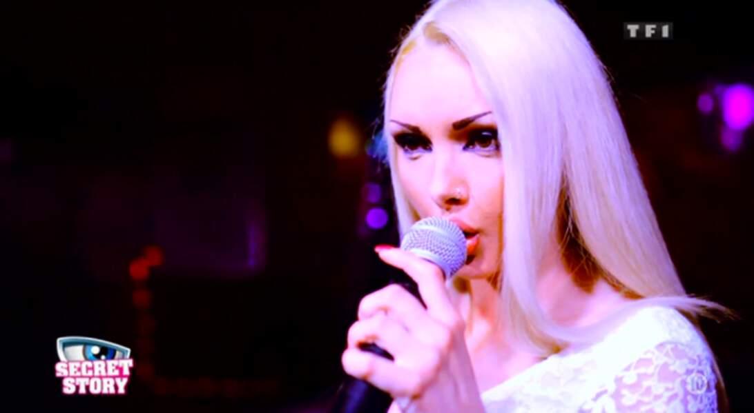 """Florine est considérée par sa famille comme """"une vraie star de la chanson."""" Ça fait peur !"""