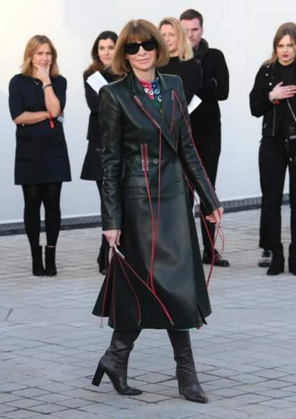 La prêtresse de la mode, photographiée au moment de son arrivée.