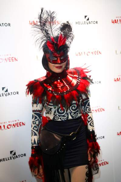 Et là c'est Malin Akerman, alias Laurie Jupiter dans Watchmen.