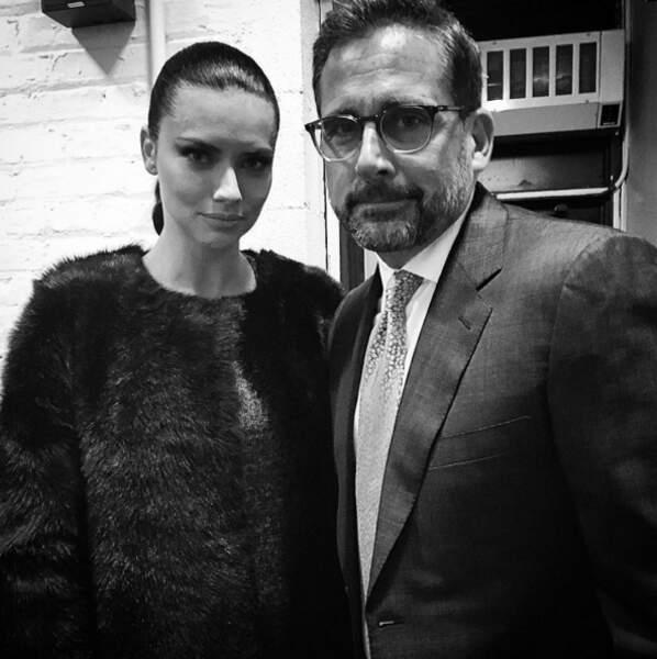 Et Adriana Lima + Steve Carell. BG.