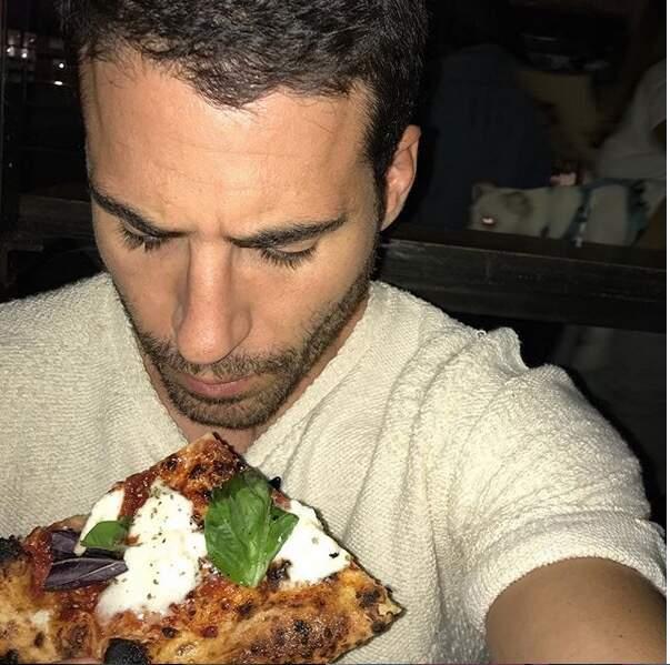 Triste de manger une pizza tout seul...