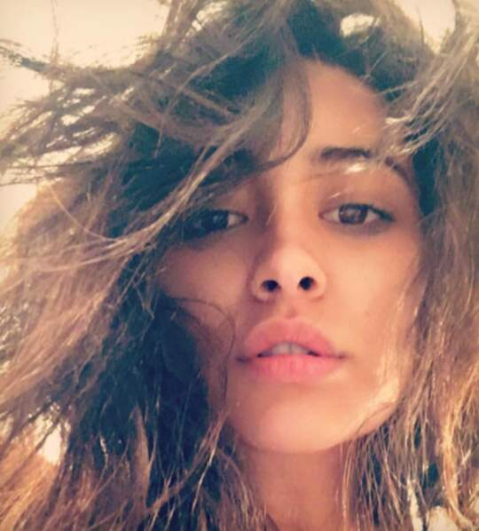 Shay Mitchell au naturel
