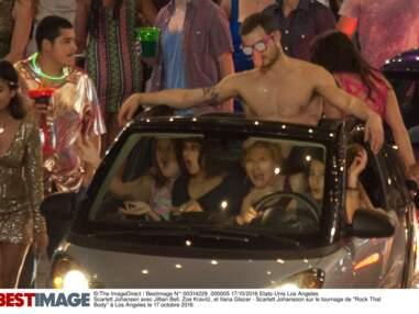 Kylie Minogue sur la plage en débardeur à trous, Scarlett Johansson en voiture avec un stripteaseur… Les stars s'amusent en tournage ! (23 PHOTOS)