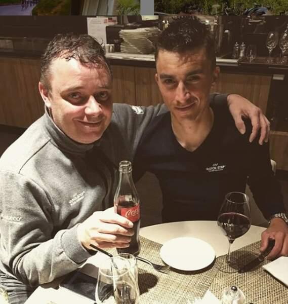 Julian Alaphilippe et son verre de vin rouge... Il fait honneur à la France !