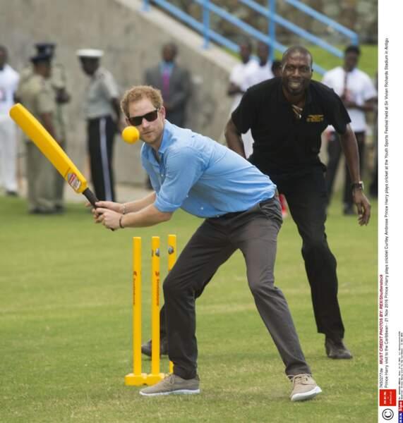 En bon Anglais, il s'est laissé tenter par une partie de cricket