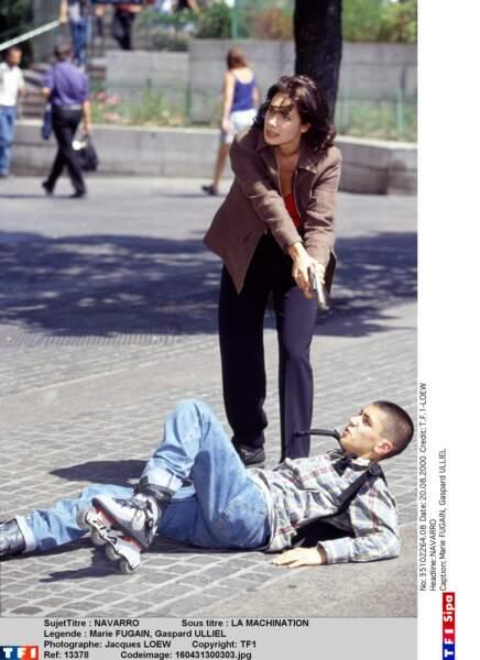 En quête de rôles, l'acteur a même joué les petits caïds dans la série Navarro aux côtés de Marie Fugain (2004)