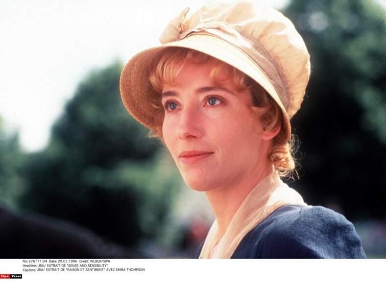 Avec son chapeau cloche, elle reçoit l'Oscar du meilleur scénario adapté pour Raison & Sentiments