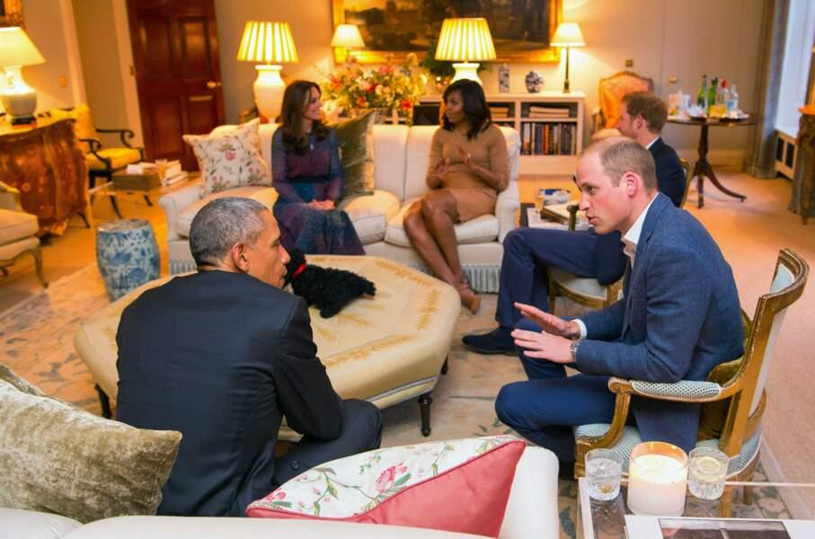Avril 2016. Au moment où la reine fête ses 90 ans, ils accueillent les Obama…