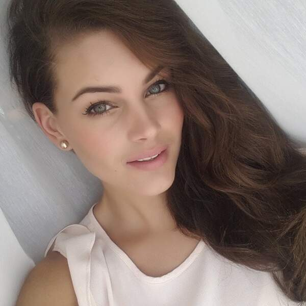 Miss Monde 2014 est une grande adepte des selfies
