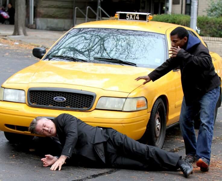 Un taxi a percuté Alec Baldwin pour le tournage de Blind, un film qu'il tourne au côté de Demi Moore