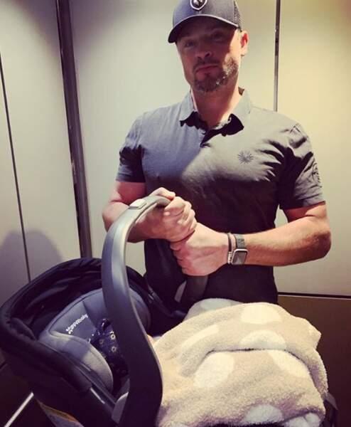 L'acteur Tom Welling, star de Smallville, est devenu papa d'un petit Thomson.