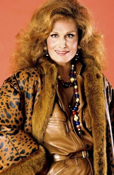 En 1985, Dalida joue les modèles pour Christian Dior.