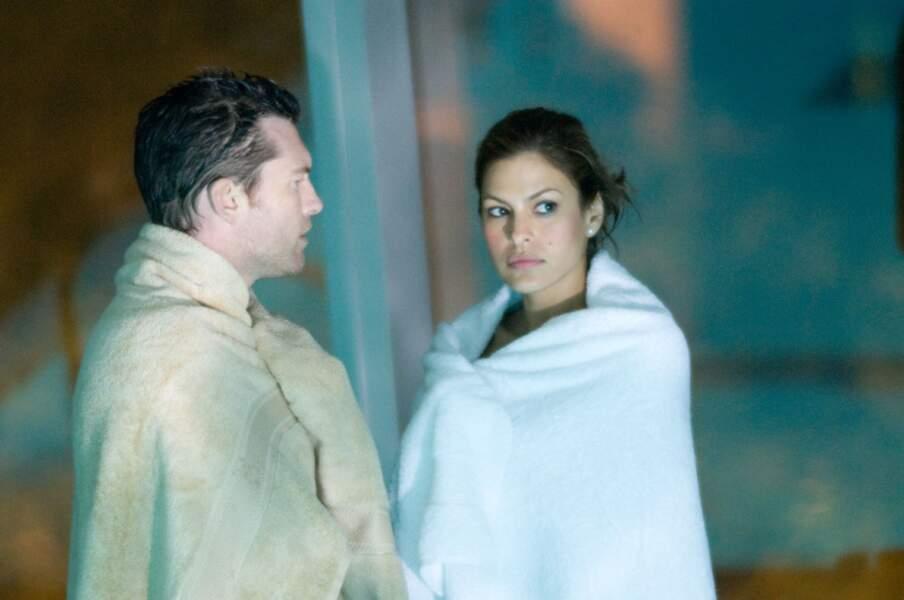 Avec Sam Worthington, elle est également à l'affiche de Last Night (2011)