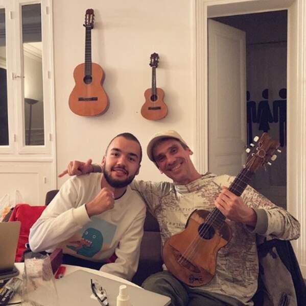 C'est pas tout ça mais Oli et Manu Chao nous attendent pour jouer du banjo.