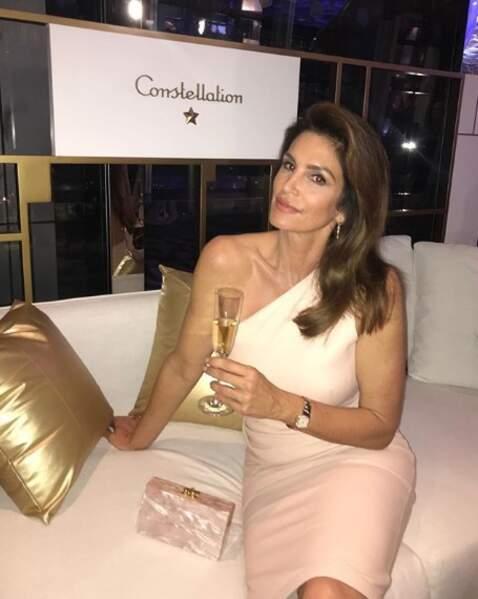Et Cindy Crawford passait du bon temps à Hong Kong.