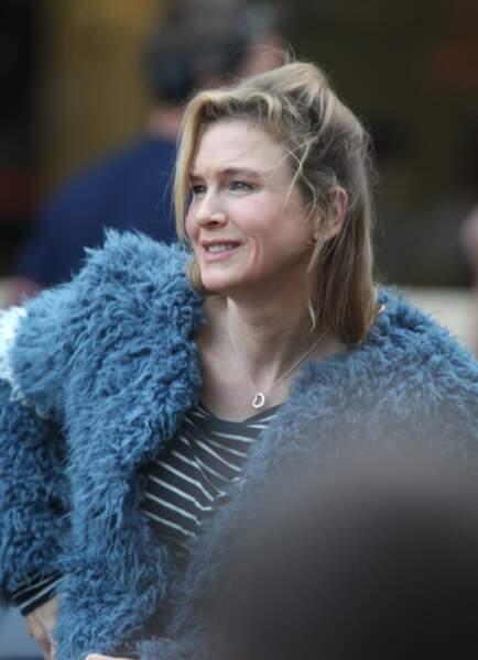 Le tournage de Bridget Jones 3 a bel et bien débuté à Londres. Et l'héroïne a une petite surprise pour vous...
