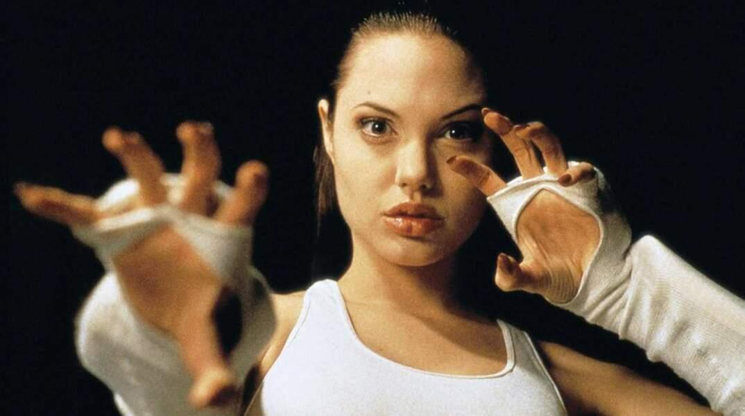 En 1993 sort Cyborg 2, le tout premier film d'Angelina Jolie