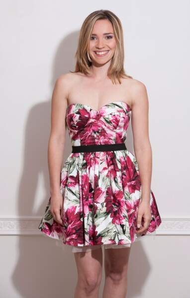 Delphine, 28 ans, toute mimi dans sa robe fleurie
