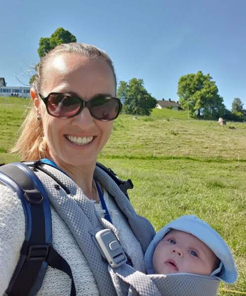 Promenade champêtre pour Martina Hingins et sa fille.