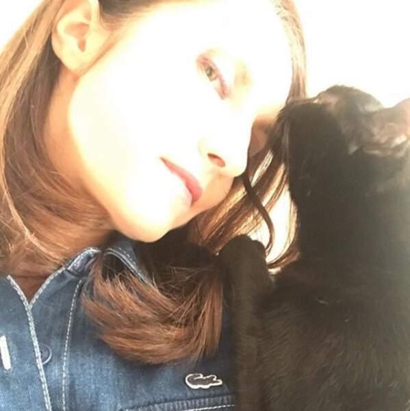 Elle adore aussi son petit chat