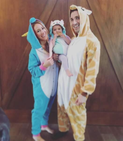 Voilà la petite famille à Halloween !