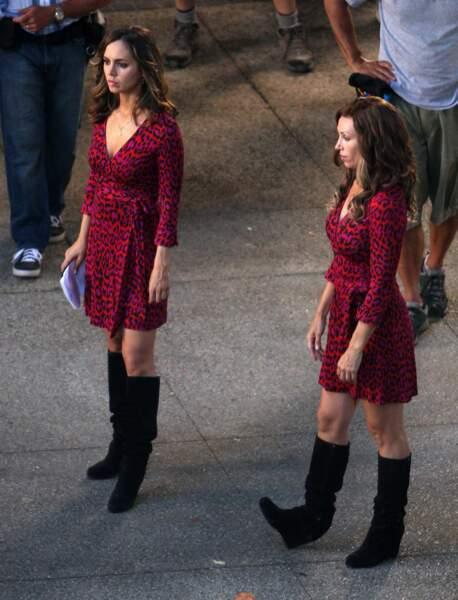 Eliza Dushku et sa doublure... Nous sommes deux soeurs jumelles, nées sous le signe...