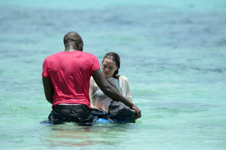 Namadia et Mélanie tentent de rejoindre le rivage
