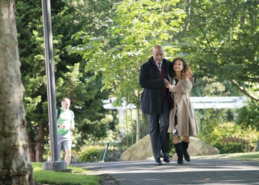 En dehors des murs de l'hôpital, Richard et Catherine passent du bon temps ensemble…
