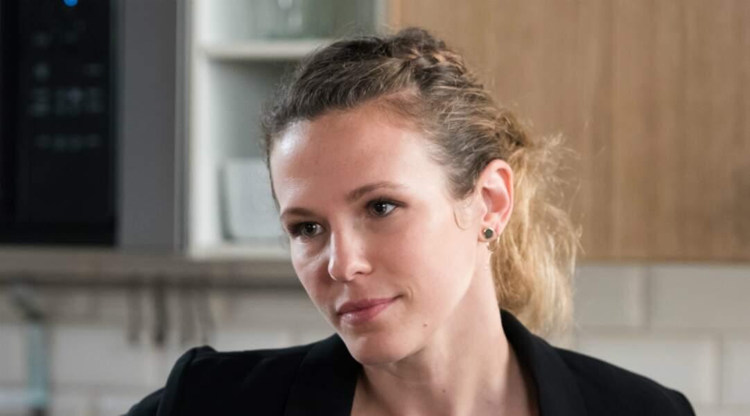 Lucie Salducci démissionne de la police en juin 2019 et rejoint son amant, le tueur en série Marc Very à Rio.