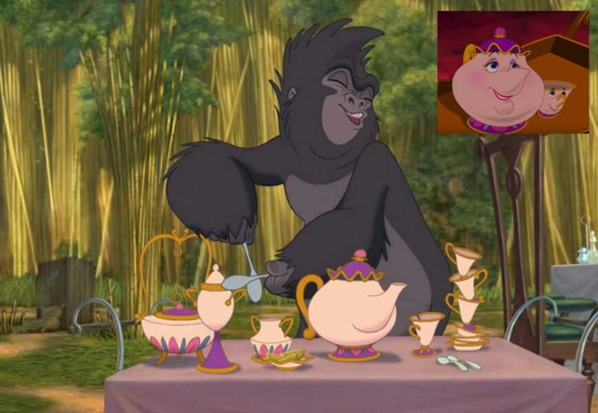 Tarzan : Tok s'amuse avec un service à thé à l'effigie de Mme Samovar
