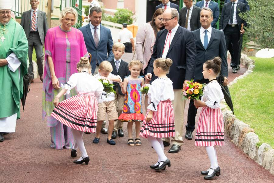 Et une révérence pour la Princesse Charlène