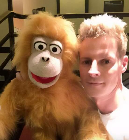 Sans oublier Jean-Marc, le singe ventriloque de Jeff Panacloc.